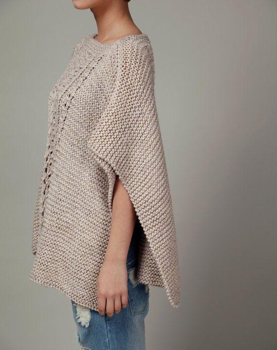 Poncho tejido a mano / capucha en trigo por MaxMelody en Etsy