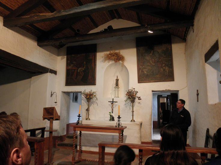 Capilla. Varios de los objetos fueron conservados en su estado original. Otros fueron restaurados.