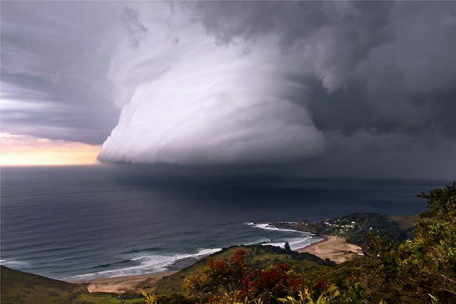 A dramatic wall cloud - A squall line associated with a thunderstorm over Era Beach, south of Sydney. Picture: Bureau of Meteorology