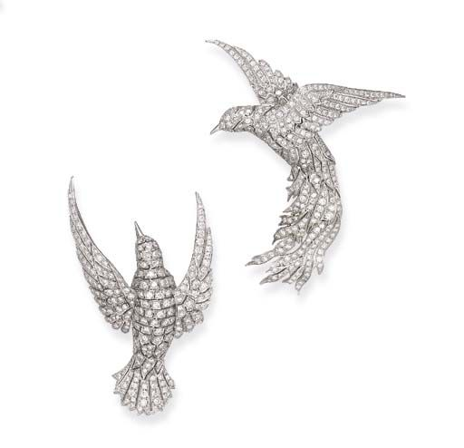 A PAIR OF DIAMOND SWALLOW BROOCHES, BY TIFFANY & CO.   Each designed as a pavé-set diamond bird in flight, mounted in platinum  Signed Tiffany & Co.Tiffany Jewelry, Swallows Brooches, Fashion Design, Platinum Signs, Jewellery Design, Pavé Sets Diamonds, Diamonds Birds, Signs Tiffany, Diamonds Swallows