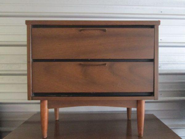Mid Century Modern Nightstand Plans: New York: Mid Century Modern Nightstand Bedside Table $150