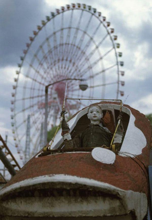 20 Imagens incríveis e arrepiantes de parques de diversão abandonados