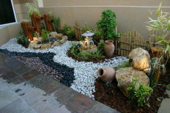 Ideas para organizar el jardin con Piedras bambu y Plantas                                                                                                                                                                                 Más