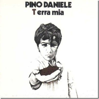 Terra Mia, il primo disco di Pino Daniele. Da qui inizia una grande storia di musica nera a Napoli. Grazie Pino.