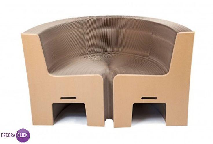 """Decoração de Interiores   Móveis criativos e divertidos podem ter uma incrível  funcionalidade. É o caso desta cadeira, a Flexible Love 12 Seat Chair, da marca Expand Furniture. Com um """"efeito sanfona"""", ela expande, podendo ser um banco que comporta até doze pessoas. Uma ideia simples, porém genial, que usa papel reciclado para criar as peças. Ideia transformadora e original, aliada à sustentabilidade.   Veja mais no nosso Decora Blog!  http://decoraclick.com.br/decoracao-de-interiores-9/"""
