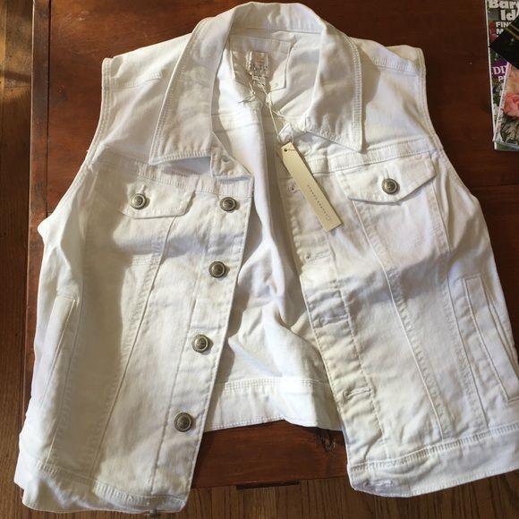 Brand New Lauren Conrad white jean vest, size M Brand new with tags. Adorable jean vest. Lauren Conrad  Jackets & Coats Vests
