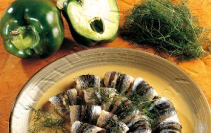Ricette light: alici al forno - Ecco una ricetta perfetta per l'estate e che piacerà moltissimo a tutta la famiglia: leggera e gustosa si tratta delle alici al forno. Vediamo come realizzarla.