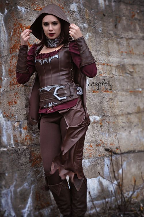 Serana from Skyrim Cosplay http://geekxgirls.com/article.php?ID=6457