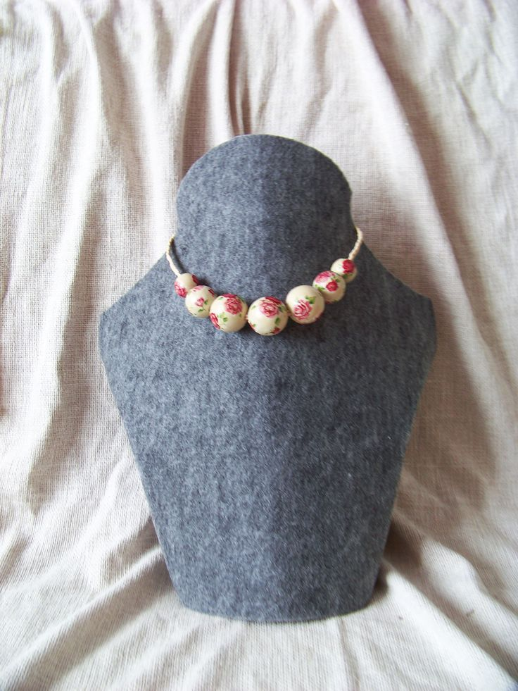 Rose necklace. Wooden beads decoreted using  decoupage technique. Folk.