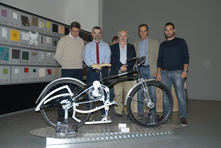 Designers and manufacturers. 2M built the frame.