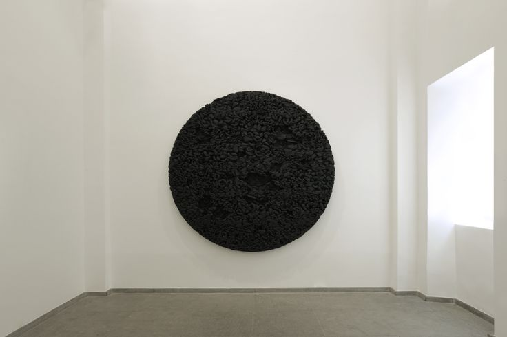 Manish Nai - Matter as Medium September 10 - October 29, 2016 Galerie Karsten Greve Paris (Côte rue) Image by Nikolai Saoulski