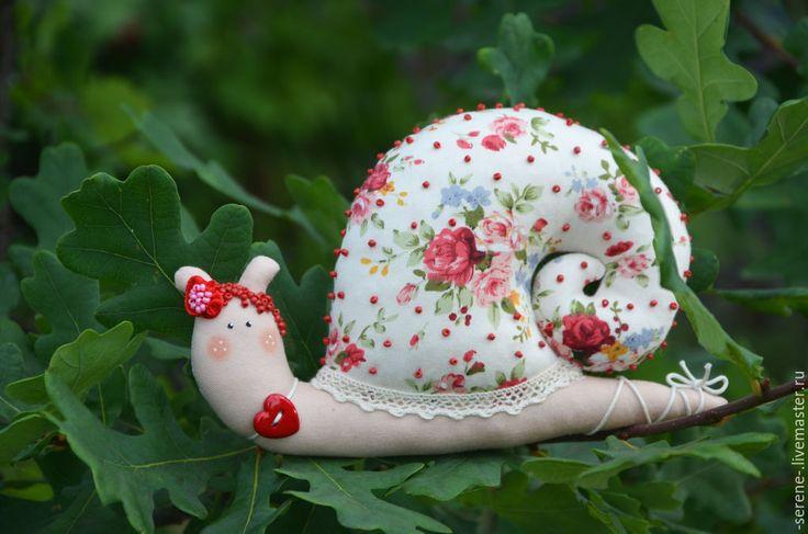 Купить Сердечная улитка тильда - бежевый, улитка, Тильда улитка, Уля, бисер, подарок, сувенир