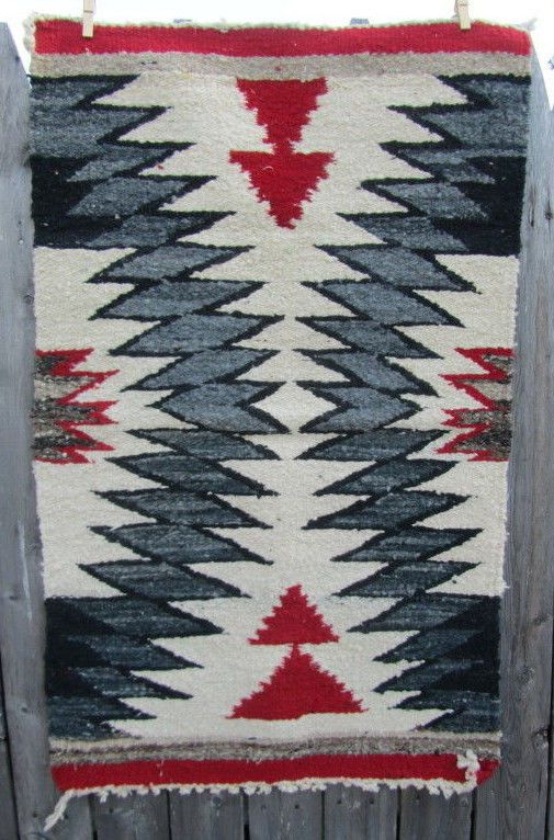 """Vintage Woven Rug SOUTH WESTERN Decor RED Gray Black 34"""" x 21"""" Nice"""
