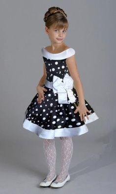 Платье для девочки в горошек