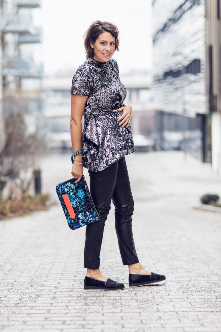 Nina Campioni wears sequin top by Bitte Kai Rand, maternity pants by H&M, shoes by Blankens and bag by Kenzo on this Outfit of the Day - #OOTD