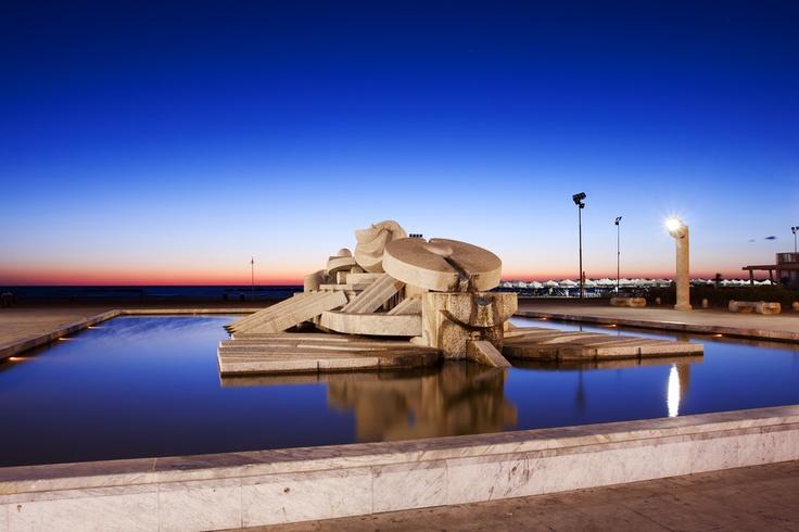 #Pescara Pietro #Cascella #Sculpture in front of the #Adriatic sea. #Abruzzo #Italy