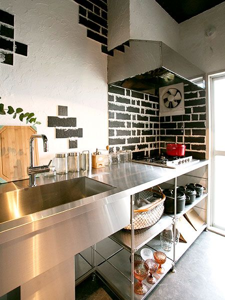 サンワカンパニーのキッチンが旬♪個性派・スタイリッシュなキッチンをリーズナブルに使おう | folk