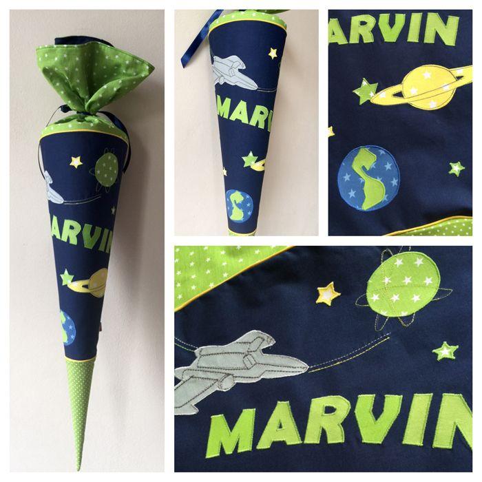 Schultüte mit Planeten und Flieger, Metallik, Erde, Saturn, Jupiter, Leuchtsterne, Sterne, Kissen