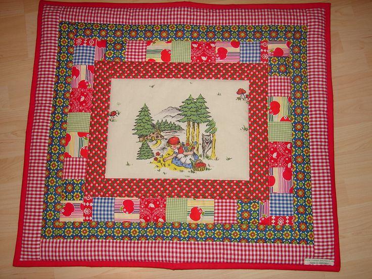 """Quilt for kids """"Rotkäppchen"""" vintage fabrics"""