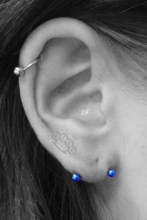 Transverse Lobe Piercing I quite like this. I'm not sure whether to get it on one or both ears... <3