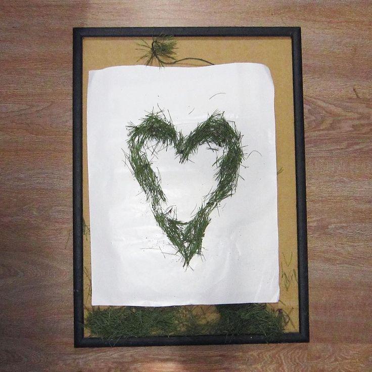 Обладателя самой классной картинки из еловых иголок для #вынеси_елку нарисую в рубрику #селебыврамочке. Срок до 31 января, 1 февраля выберу жертву и изображу.  P.S. Не забывайте ставить #вынеси_елку 🕵🏿 #chudakovatanya