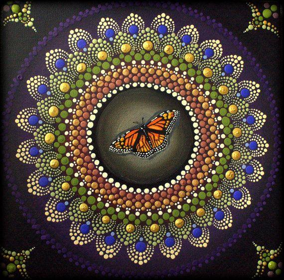 Mandala de aparición alegre  Me encantó esta pintura Mandala de sanación. Cuando miro la energía que se desprende de la tela es mágico. Espero