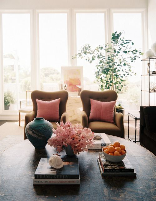 chairs & oranges: Decor, Interior Design, Coffee Tables, Living Rooms, Idea, Color, Livingroom, Pink, Space