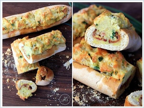 Запеченный багет из любимых ингредиентов на завтрак: яйцо, сыр, бекон