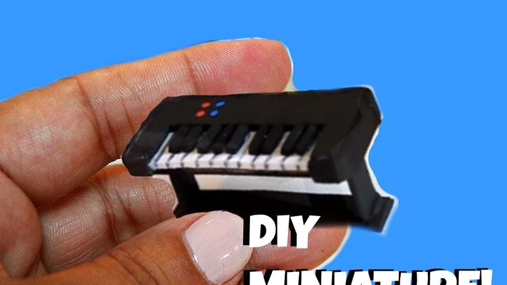 DIY Miniature Keyboard I did this craft last year and thought I would do it again as its a super easy 5 minute miniature and alot of my new subbies will enjo...