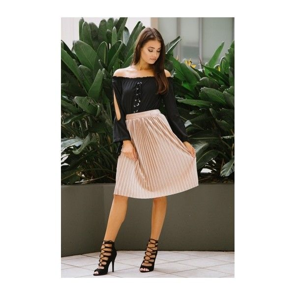Pleats Me Skirt- Gold ($40) ❤ liked on Polyvore featuring skirts, gold skater skirt, knee length pleated skirt, gold pleated skirt, circle skirts and skater skirt