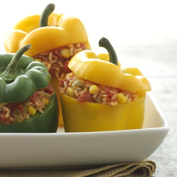 20 healthy meals under $3! LOVE Stuffed Peppers!!!  Loaded with five of the Cleveland Clinic's top veggie and grain picks, this low-cholesterol, vegetarian dinner is a top-rate cheap meal.  Budget dinner price: $2.19 per serving (with 4 green and 4 red/yellow peppers)
