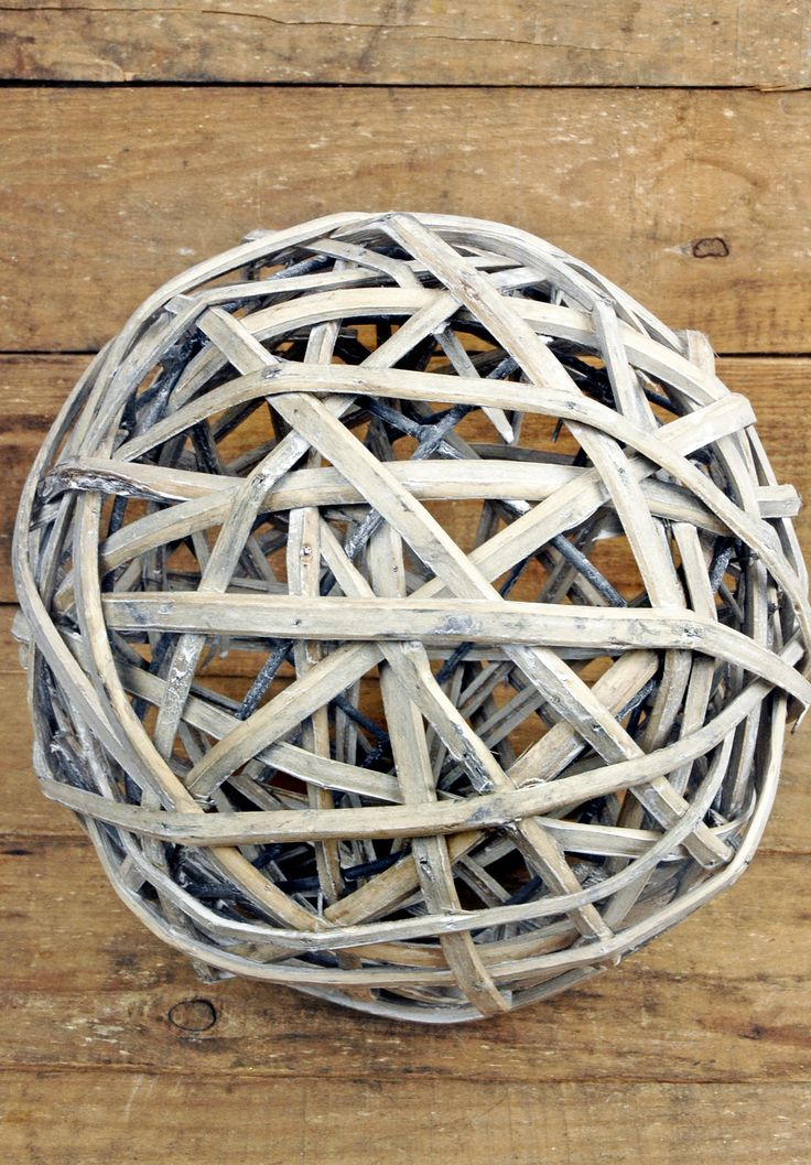 Natural Willow Ball 8in