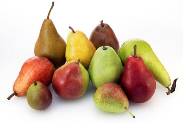 Le pere sono uno dei frutti più classici, se vogliamo anche più antichi, e amati da tutti, sia dagli adulti sia dai bambini. Gustati a fine pasto o anche in forme diverse, come ad esempio il loro buonissimo succo.