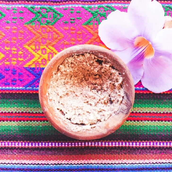 THE RECIPE 2 tsp. GROUND ALMONDS 2 tsp. OAT FLAKES 1 tsp. APPLE CIDER VINEGAR 2 drops TEA TREE ESSENTIAL OIL one >> Mix two >> apply to a damp tired face, and glow. Sorry, I mean go. http://www.thecoveteur.com/make-natural-exfoliant/