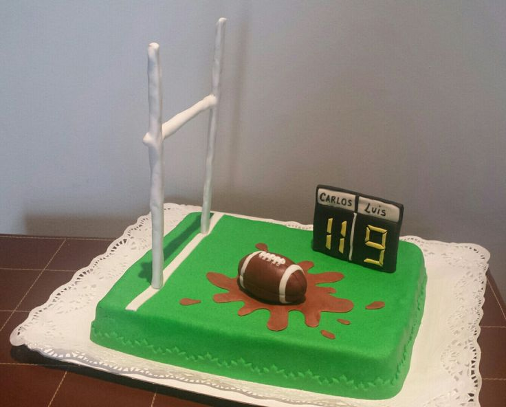 Tarta para el cumpleaños de Carlos y Luis, tematizada en unos de sus deportes favoritos! El Rugby!   Felicidades deportistas!!