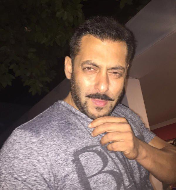 Selfie time! Check out Salman Khan clicks a selfie.