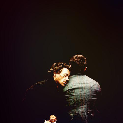 Sherlock Holmes: Robert DOWNEY, Jr. (Sherlock) & Jude LAW (Dr. Watson) (everyone needs support, even the great Sherlock Holmes)