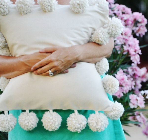 Mondo Pom Trim Pillow: This looks like so much fun to make. You can do it in any color, and add glitter if you want. See how to do it http://hative.com/diy-pillow-ideas-and-tutorials/