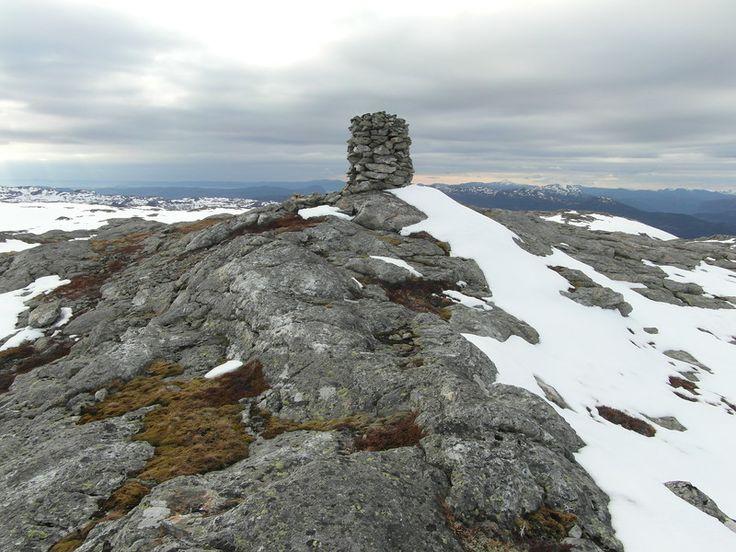Skorva - вершина в Норвегии (872 м)