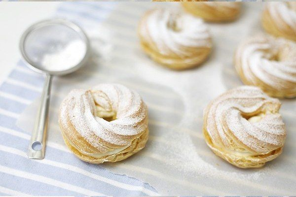 (Venčeky) - Slovakian cream puff rings.