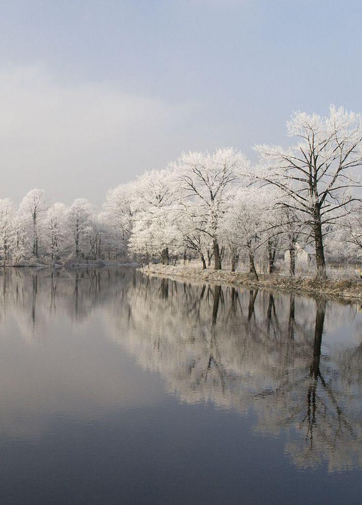 Winter River / Kalisz, Poland