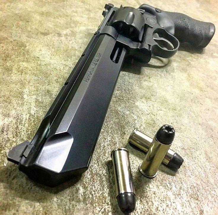 Can you name the gun?   Like  Repost  Tag  Follow   @endlessboxcom https://endlessbox.com #endlessboxcom  #photooftheday #instagood #omg #hunter #badassery #hunting #tbt #ar15 #pistol #ak47 #freedom #gun #guns #merica #pewpew #happy #nra #badass #beast #glock #handguns #fullauto #wow #firearms #weapon #instamood #weapons #edc #gunporn
