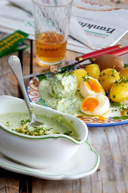 Grüne Soße mit Pellkartoffeln und Eiern