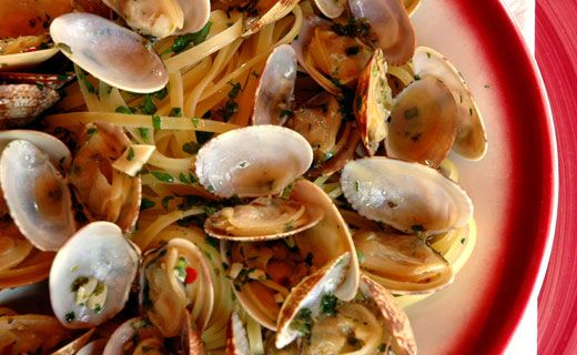 Epicure's Spicy Clam Linguine  (Copyright © Epicure Selections)