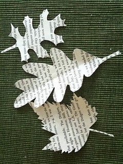 I love this idea to use book pages to cut out leaf outlines for garland concretejunglecra...