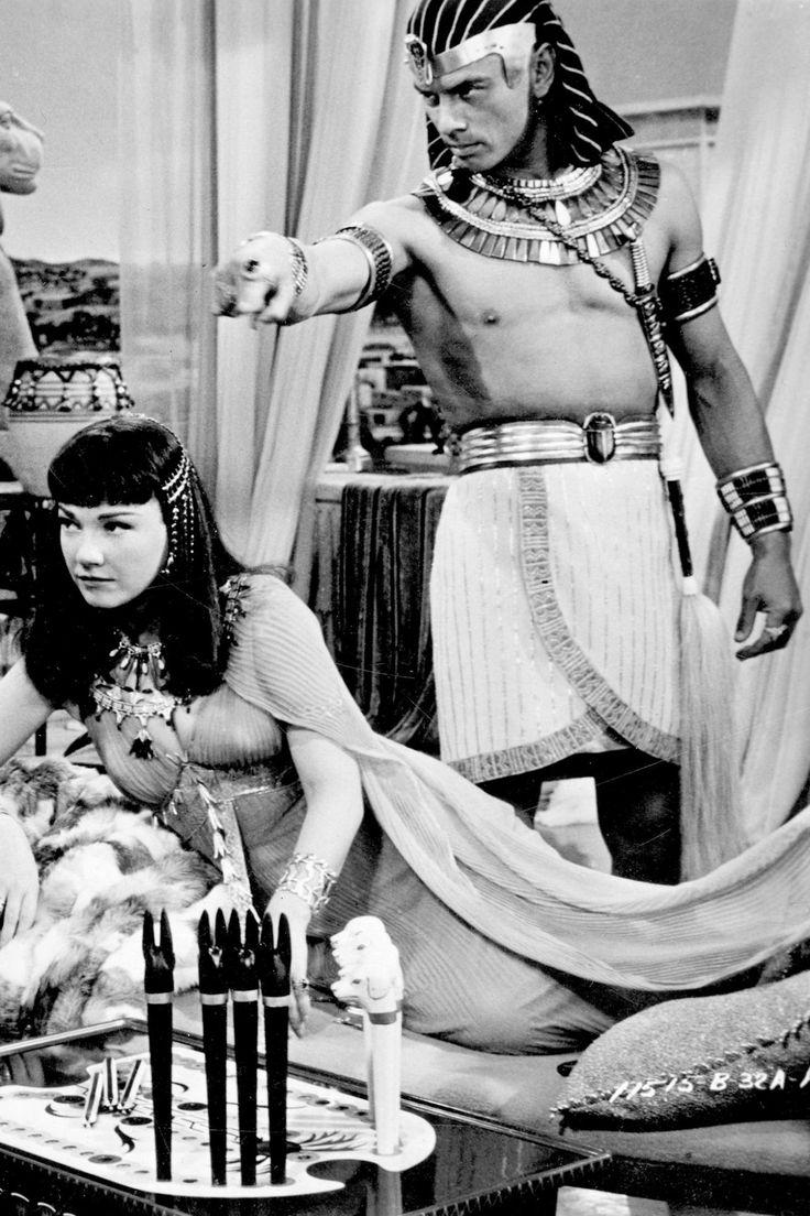 Anne Baxter & Yul Brynner ~ The Ten Commandments, 1956