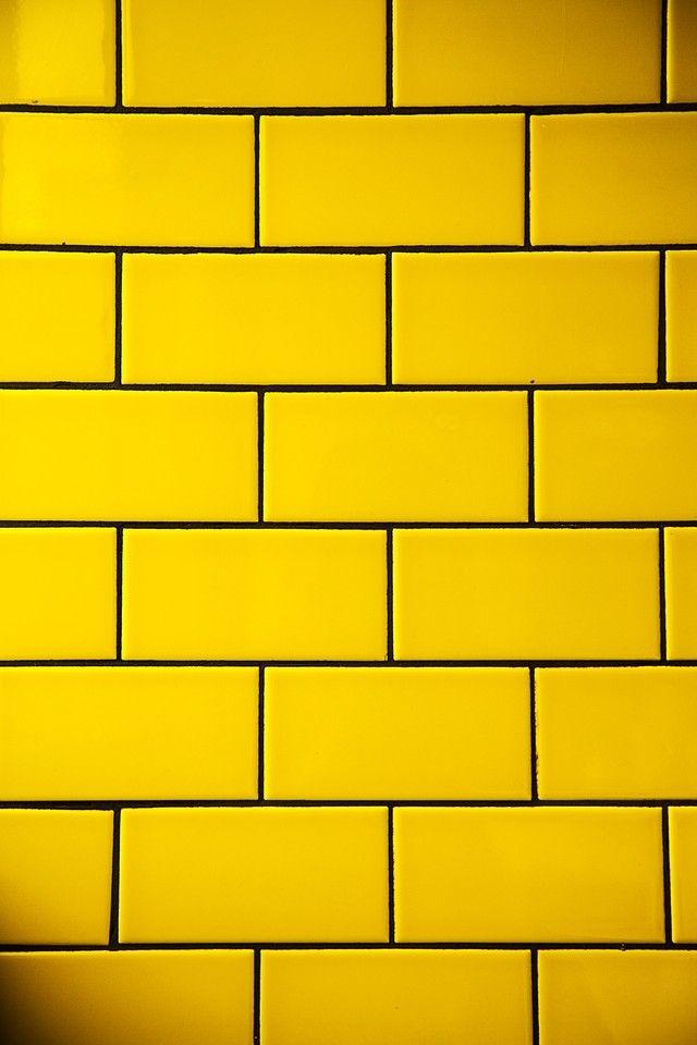 ярко желтый кирпич