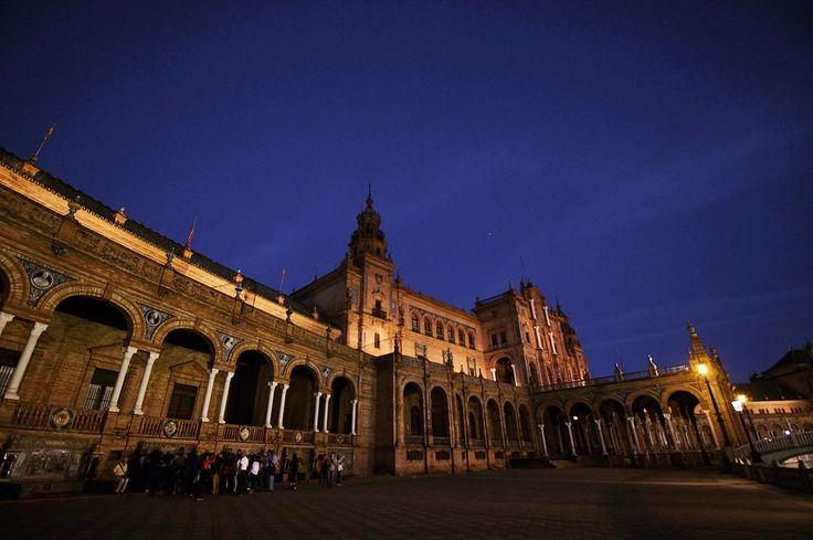 도시 전체가 경이롭다 #세비야 #스페인 #스페인광장 #여행 #사진 #야경 #spain #sevilla #photography #travel http://tipsrazzi.com/ipost/1506410387543872463/?code=BTn2EQjgtPP