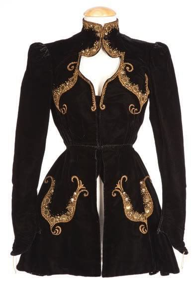 Gorgeous steampunk coat idea, had to repin from my steampunk board because I decided I must actually wear this in my dreams or another life
