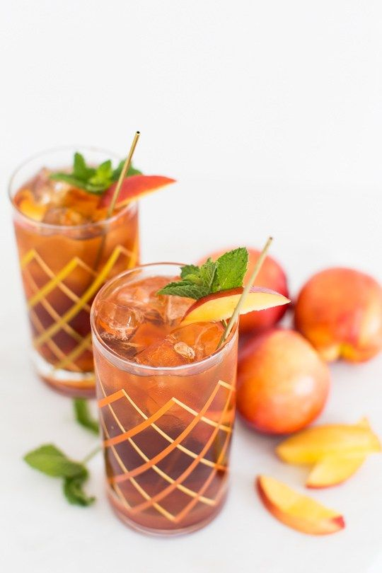 Peach Iced Tea Cocktail Recipe | Sugar & Cloth